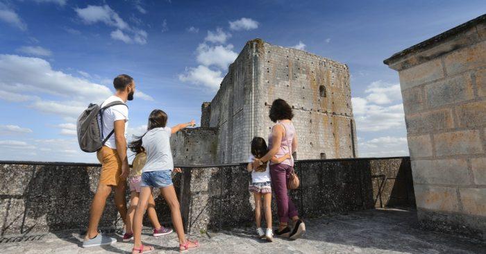 kids visit loches